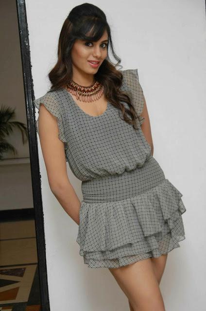 Actress Deepa Sannidhi Latest Hot Stills Navel Queens