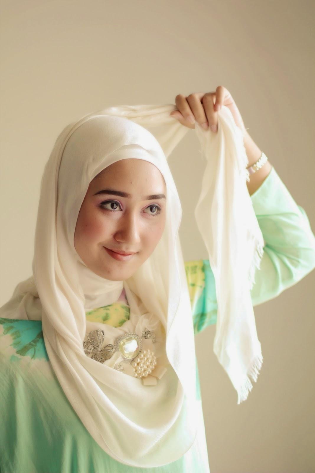 Tutorial Hijab Pashmina Dian Pelangi Terlengkap Gaya Hijab