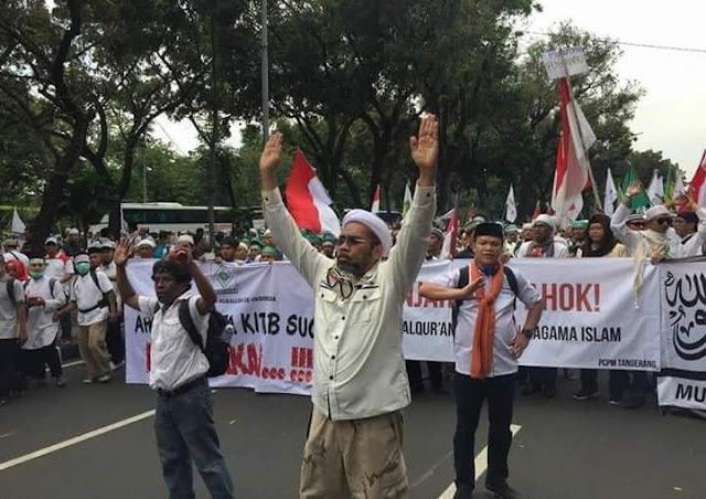 Sebut Pendemo Sampah Demokrasi, Ngabalin Dihajar Ramai-ramai: Kacang Lupa Kulit