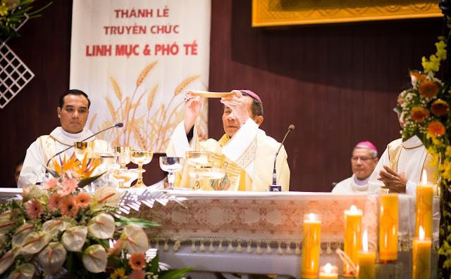 Lễ truyền chức Phó tế và Linh mục tại Giáo phận Lạng Sơn Cao Bằng 27.12.2017 - Ảnh minh hoạ 41