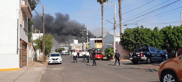 Incendio en empresa de Nena de Anda [VIDEO]