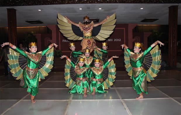 9. Tari Garuda Nusantara, -