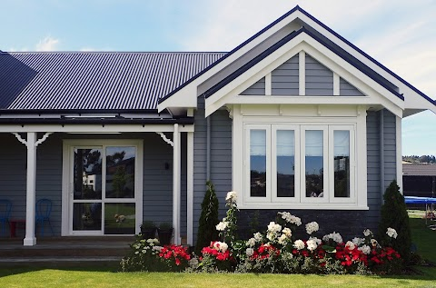 Why Should You Consider Hiring Cladding Installers?