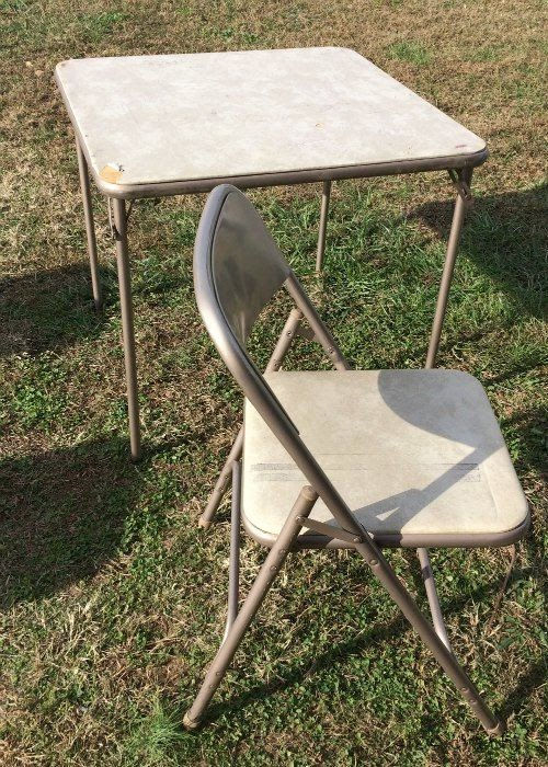 How to give an old card table, folding table a makeover with paint and fabric