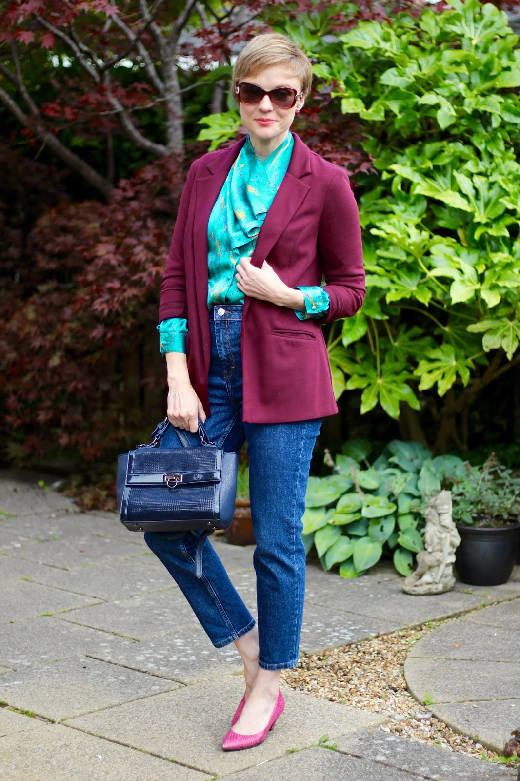 Vintage green blouse, oxblood blazer, orson jeans and pink shoes | Fake Fabulous
