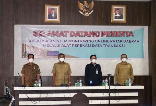 Pemko Medan Pasang Tapping Box di Tempat Usaha Wajib Pajak