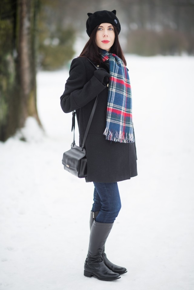 beret-z-kocimi-uszami-stylizacja-blogerki-na-zimę