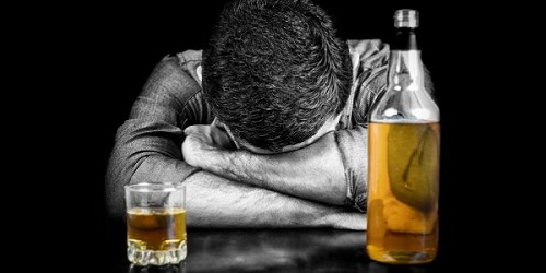 Is Someone You Love Showing The Signs Of Alcoholism? by Carolyn Nyman