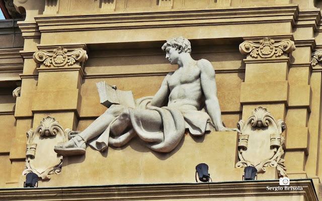 Close-up da Escultura Direito - Palácio da Justiça SP - Sé