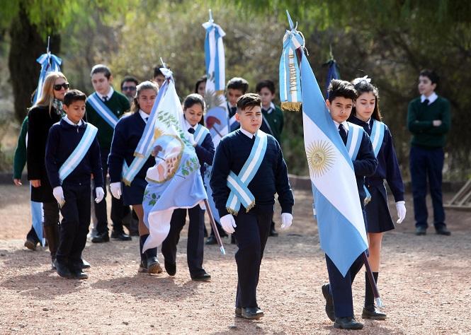 Entrega de las banderas Nacional y Provincial: los actos serán el viernes 18 de junio