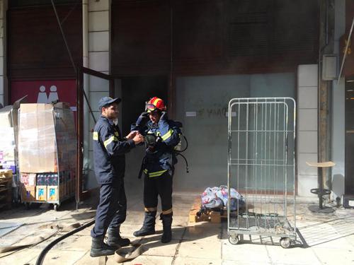 TΩΡΑ- Πυρκαγιά σε σούπερ μάρκετ
