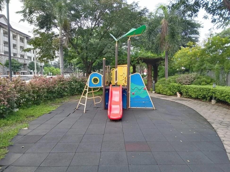 Nokia G10 Camera Sample - Playground, 1x Zoom