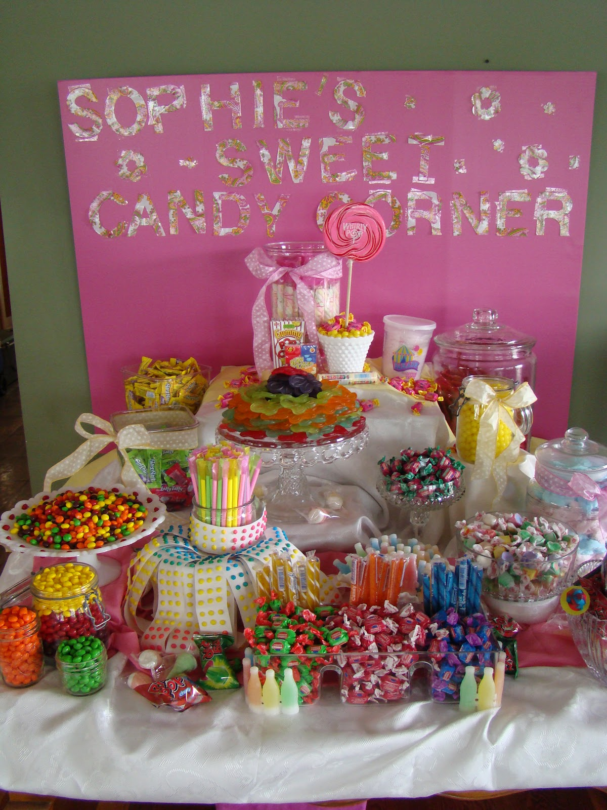 Candy K Whatlucyloves: AnnOnandOn: Candy Corner