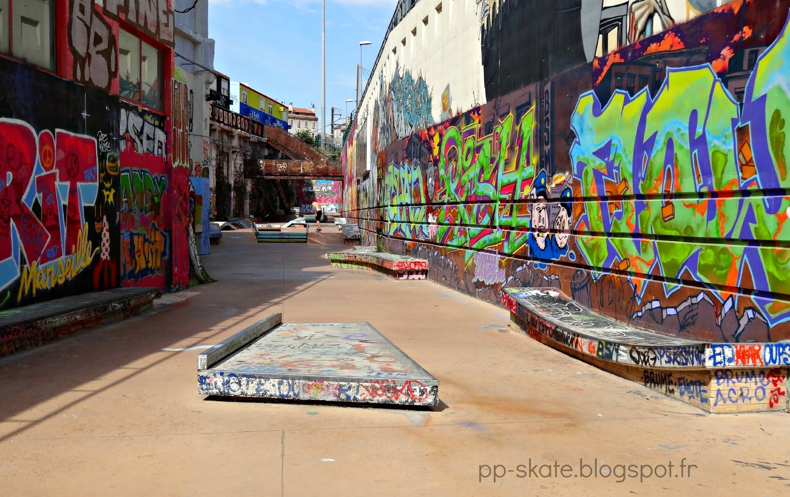 le skatepark de la friche belle de mai   u00e0 marseille
