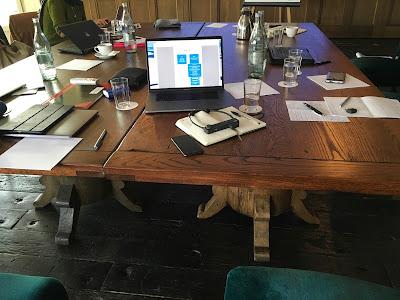 Tisch in der Pause