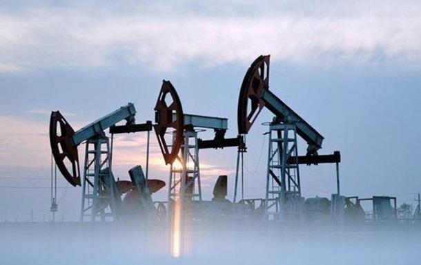 Нафта дорожчає після обвалу напередодні