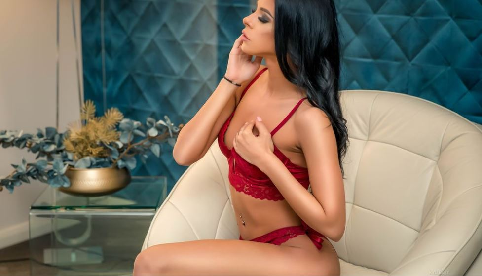 KylieSky Model GlamourCams