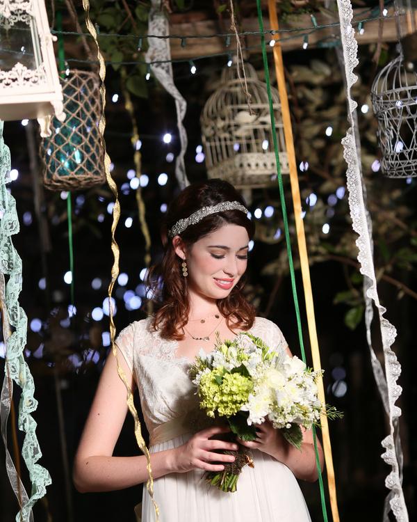 bride+groom+peter+pan+themed+neverland+wedding+tinker+bell+fairytale+princess+wendy+darling+captain+hook+fairy+dust+green+rustic+andy+sams+photography+28 - Neverland