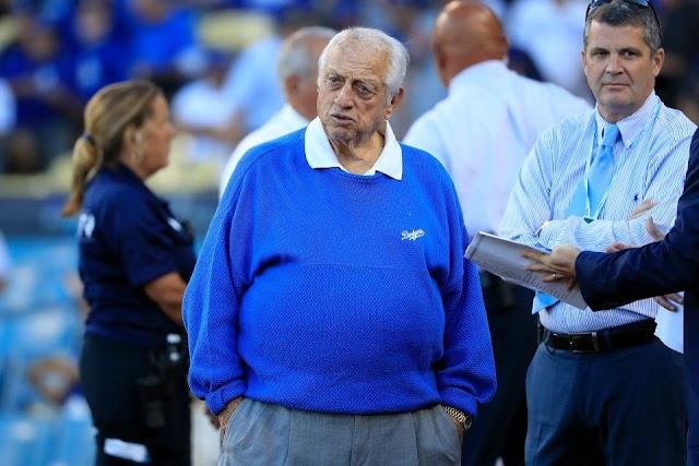 La leyenda de los Dodgers salió de la cuenta máxima: Tom LaSorda abandonó la unidad de cuidados intensivos
