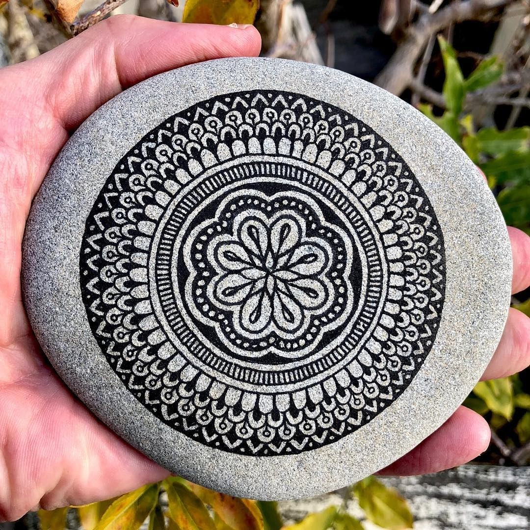 13-Mike-Pethig-Precise-Hand-Drawn-Stone-Mandala-Drawings-www-designstack-co