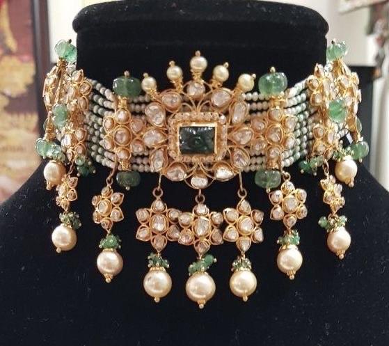 Flat Diamonds Choker with Beads