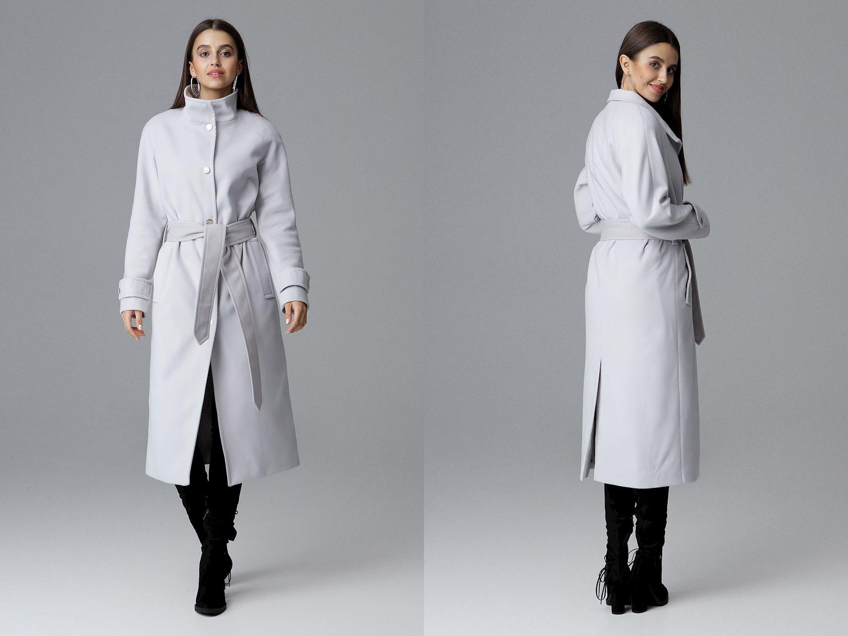 Długi płaszcz jednorzędowy z wiązaniem w pasie