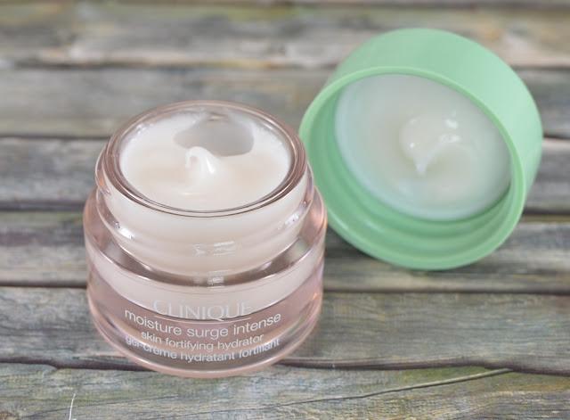 Clinique moisture surge intense skin fortifying hydrator geöffnet