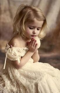 Αποτέλεσμα εικόνας για προσευχή κοριτσάκι