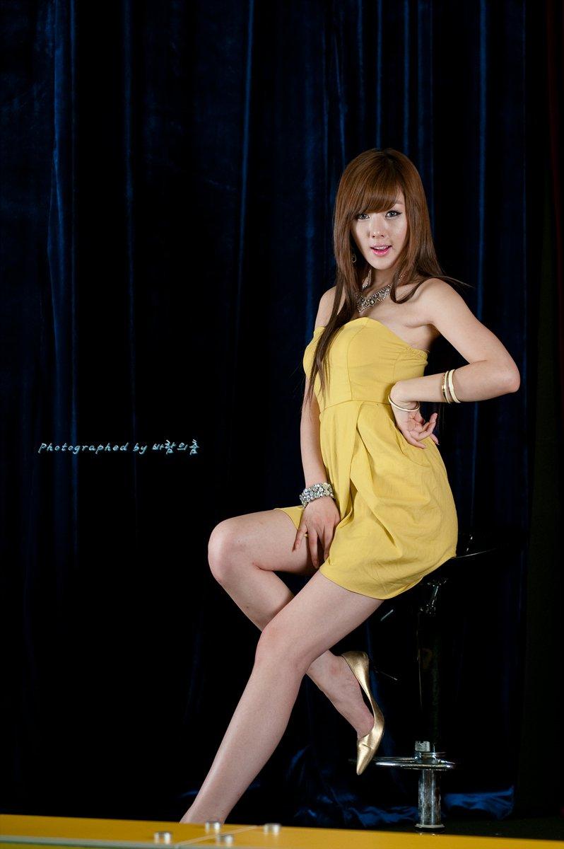 hwang mi hee sexy yellow dress 04