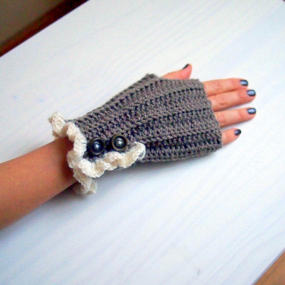 winter fingerless christmas gloves crochet pattern