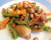 salteado de alubias, verduras y setas