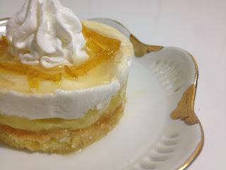 Recette du Dessert au citron super bon et facile réalisé par Mme Âsma Hch
