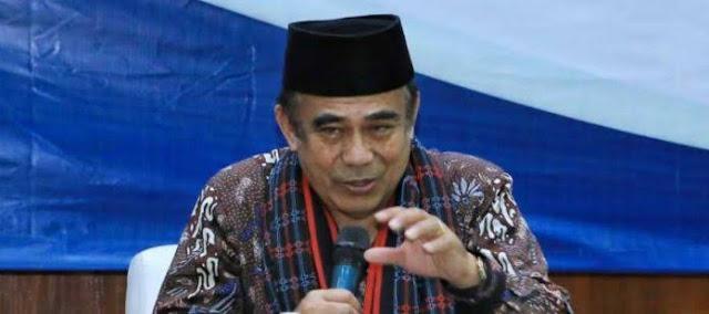 Menteri Agama Fachrul Razi terkonfirmasi positif Covid-19. Namun, saat ini kondisi fisik Fachrul dalam keadaan baik.