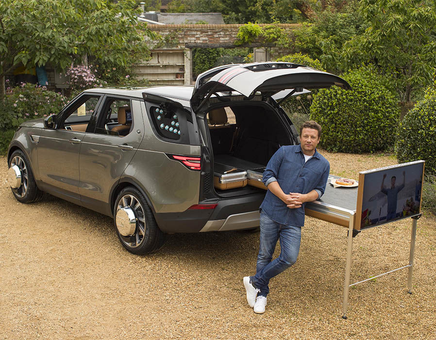 https://www.express.co.uk/life-style/cars/862653/Jamie-Oliver-Land-Rover-Discovery-custom