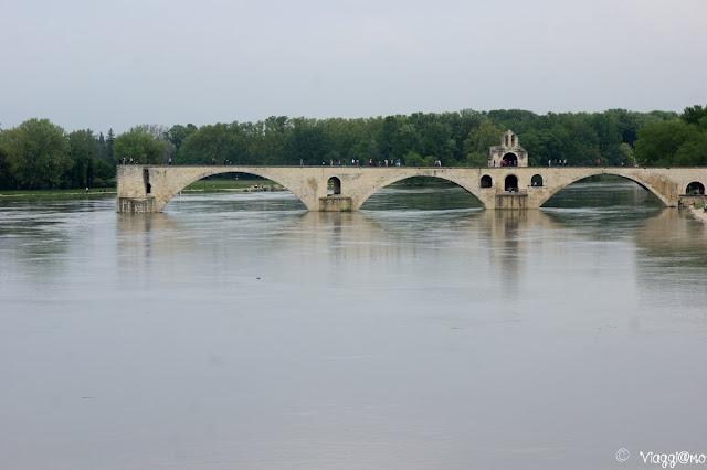 Il Ponte di Saint Benezet sul Rodano ad Avignone