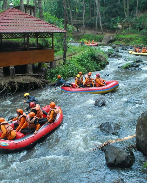 gambar 21 rafting pangalengan di situ cileunca gravity adventure @gravity_outbound
