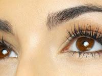 三种简单的成分有效使睫毛闪烁相信