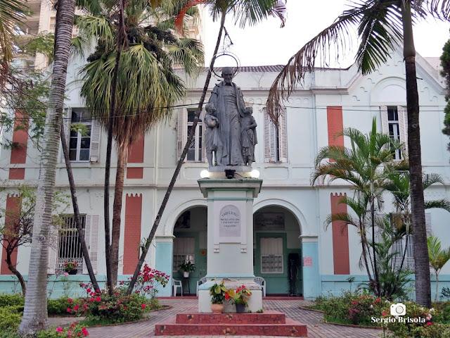 Vista da Escultura São Vicente de Paulo - Casa Pia - Santa Cecília - São Paulo