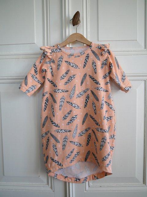 a3bdba81548e7a De jurk is een tikkie groot uitgevallen. De dochter heeft besloten om 2  maten in 1 winter te groeien. Ik merk dat het voor mij nu ineens weer een  beetje ...
