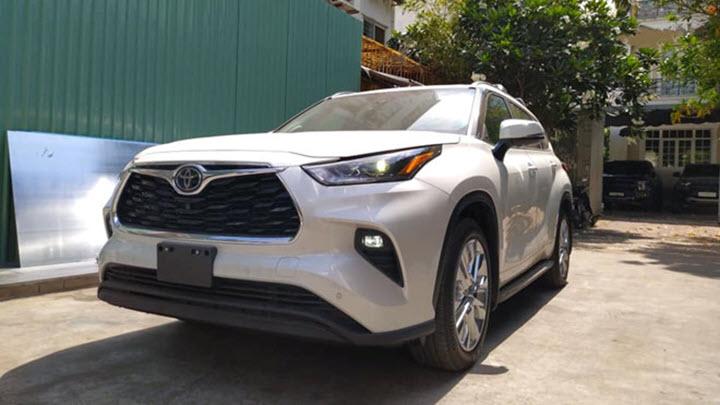 Chi tiết Toyota Highlander Limited 2020 đầu tiên về Việt Nam
