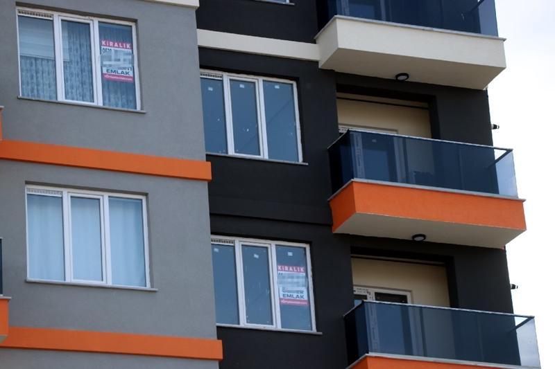 Öğrenci şehirlerinde evler boş kaldı, kiralar düşmeye başladı
