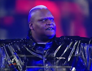 WWE / WWF No Way Out 2000 - Viscera faced Mark Henry