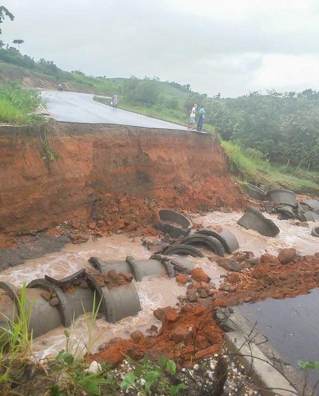 Após asfalto ceder, trecho da BR-101 fica parcialmente interditado em Cristinápolis
