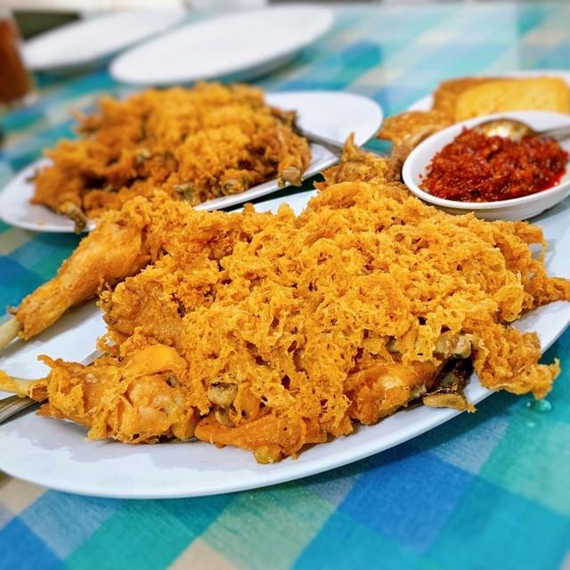 Kuliner Yogyakarta – Lezatnya Ayam Goreng Ny. Suharti