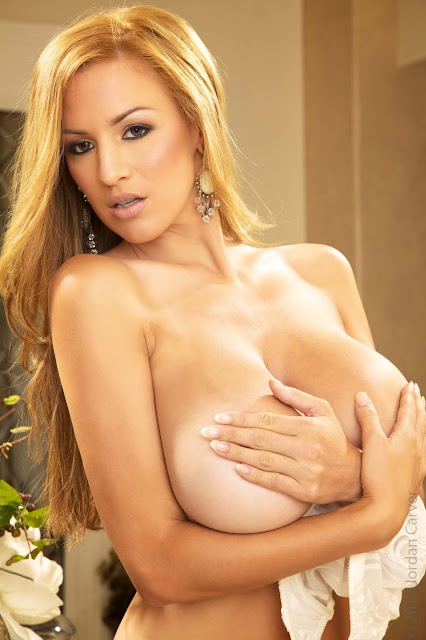 Jordan-Carver-Peitho-half-nude-hot-and-sexy-hd-photoshoot-image-12