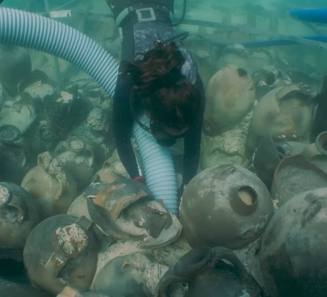 Roman shipwreck loaded with amphorae discovered off coast of Majorca
