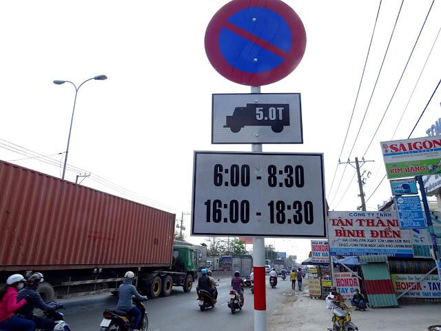 Biển cấm xe tải TP