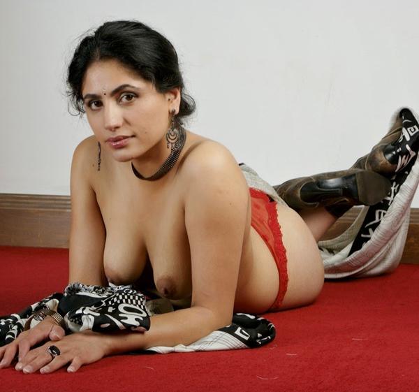bhabhi ke gore boobs,sexy hot bhabhi nude pics,hot indian bhabhi