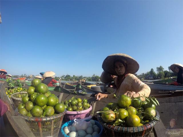 Pasar Apung Lok Baintan