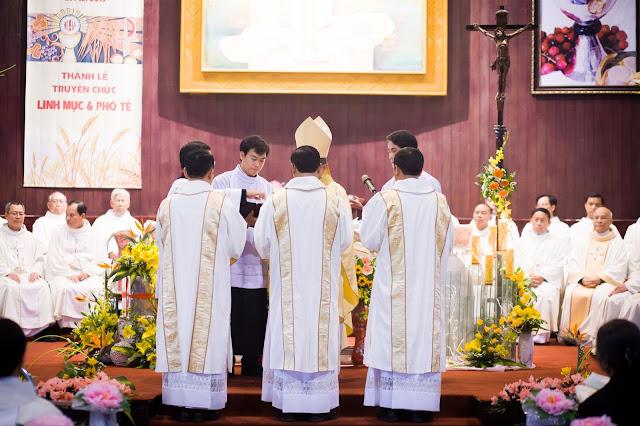 Lễ truyền chức Phó tế và Linh mục tại Giáo phận Lạng Sơn Cao Bằng 27.12.2017 - Ảnh minh hoạ 18